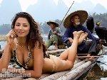 美国杂志在广西桂林拍超模泳装照惹争议