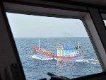 中国海监在西沙驱离两艘越南非法越境捕捞渔船