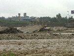 四川彭州军乐镇川西大桥被洪水冲塌